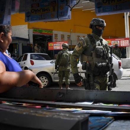 Ao criar editoria de guerra, Jornal Extra endossa política de segurança fracassada do Estado