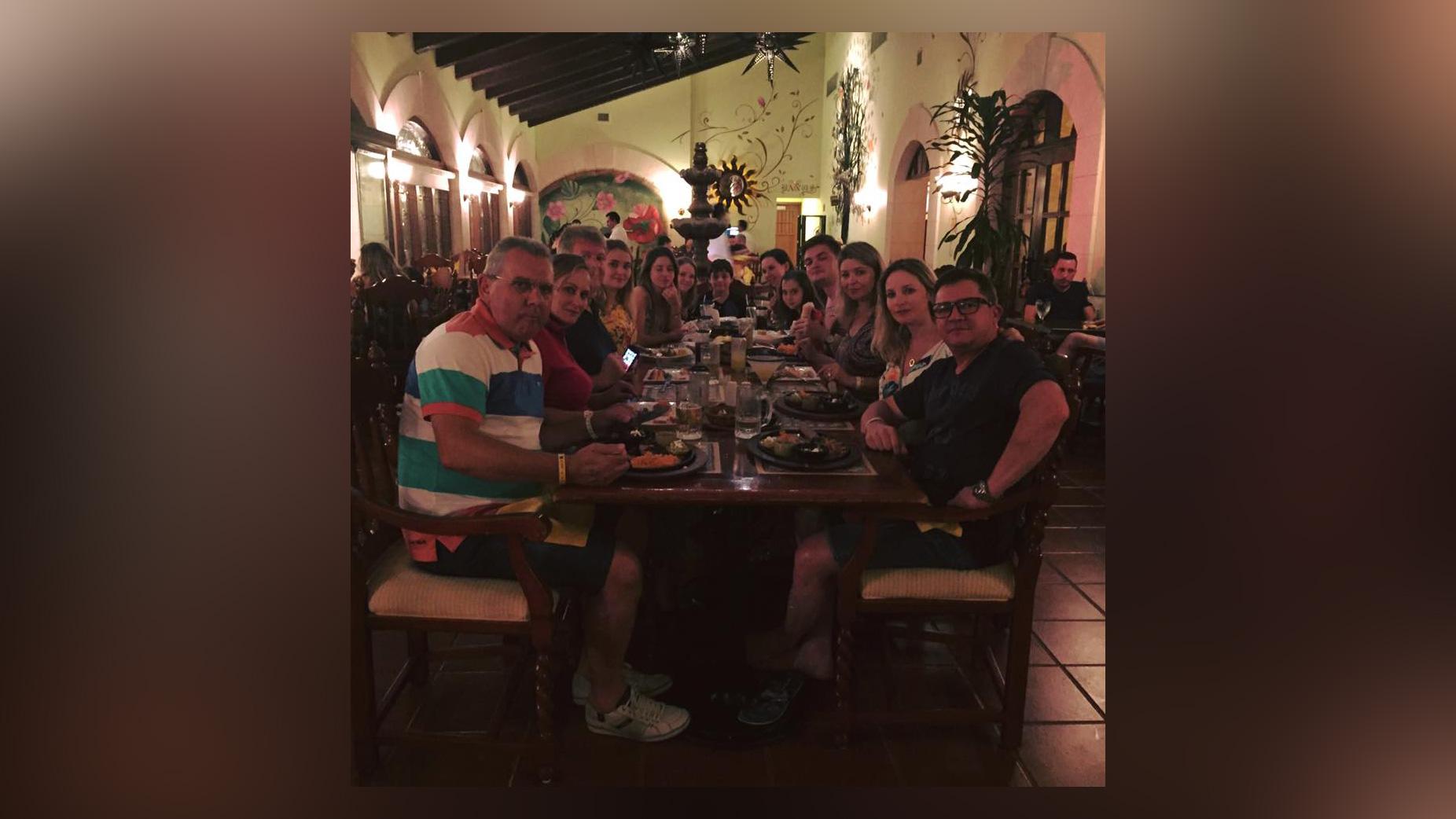 facebook-cancun-1538173260