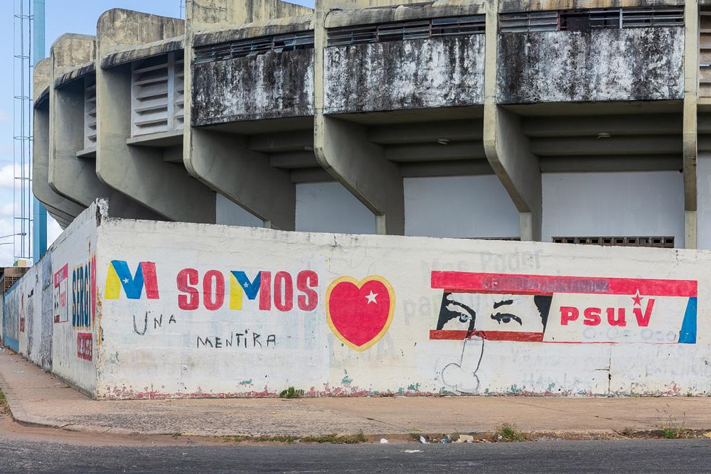 photo image O lucrativo negócio de sucatear um país: na Venezuela da fome, a elite joga golfe