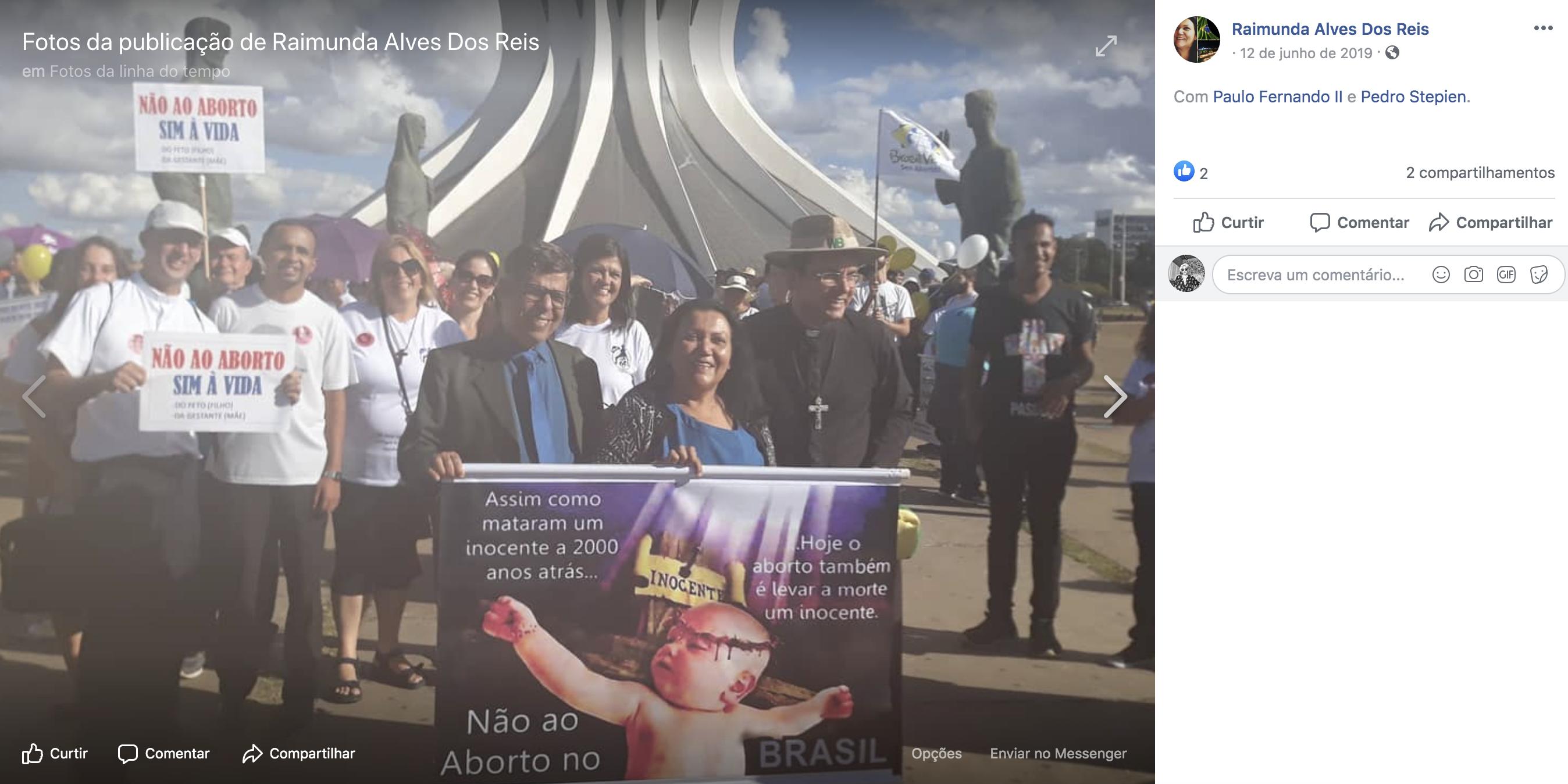 Reis protesta contra o direito ao aborto em Brasília.